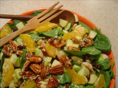 Spinach Salad with Apples, Pecans & Chicken