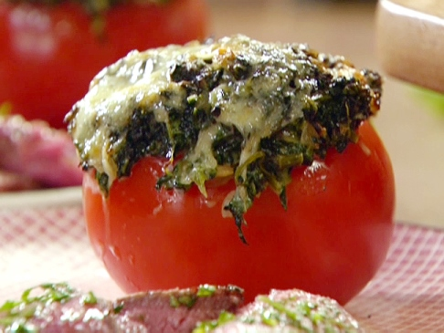 Tomatoes Stuffed With Spinach, Raisins And Almonds