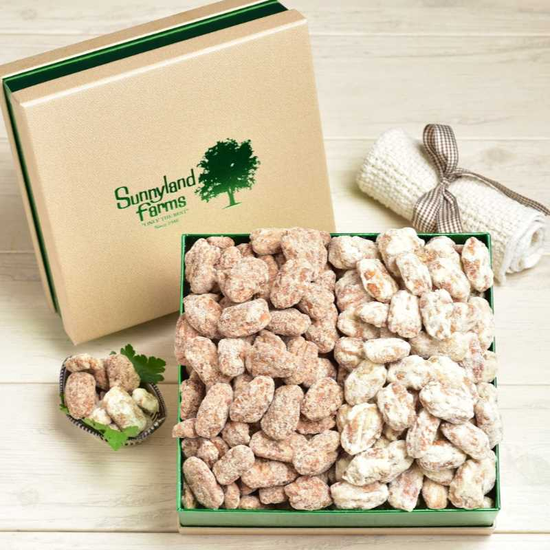 Cinnamon and orange flavored pecans