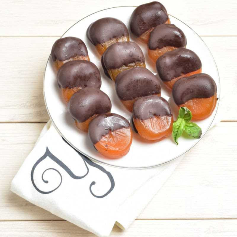 Dark Chocolate Dipped Apricots (Choco 'Cots) Detailed